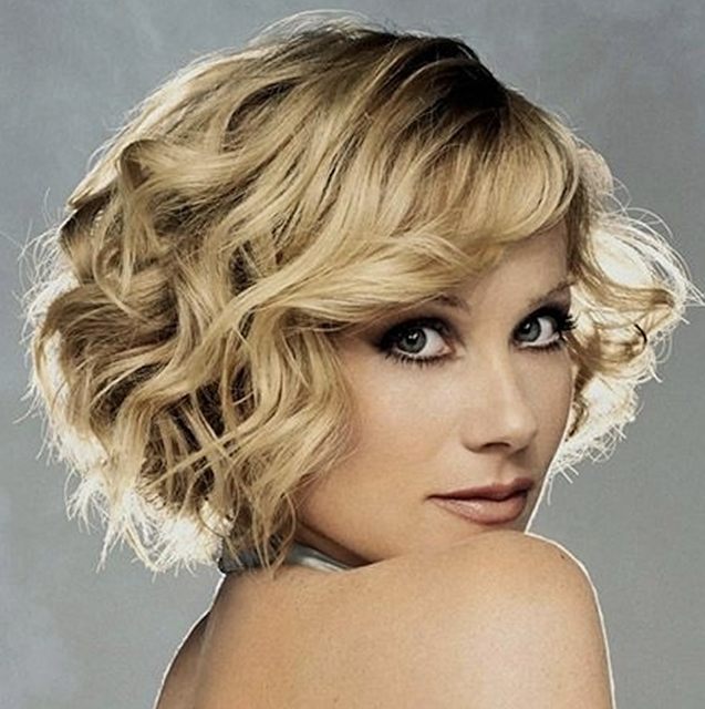 Side swept short hairstyle for blonde women