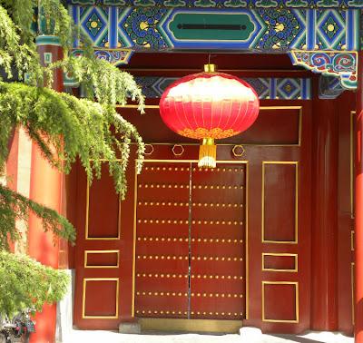 Resultado de imagem para lanternar nas portas china
