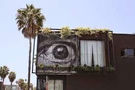 Pintura en una casa de un ojo