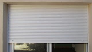 Cerrajeros: montaje de persianas