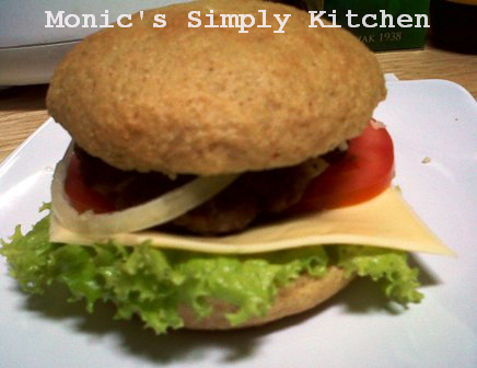 Resep Beef Burger with Oatmeal Bun