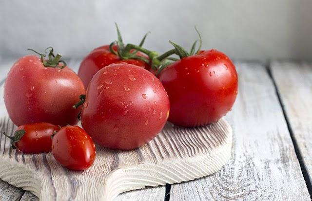 Tomato Kecilkan Liang Pori Muka