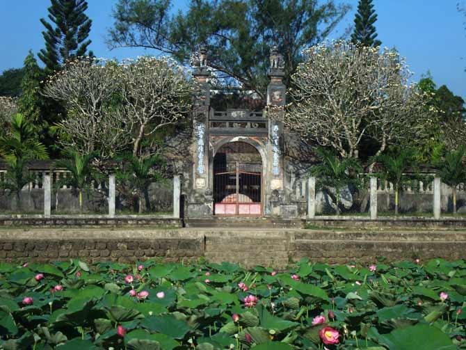 Du lịch ở Quy Nhơn có gì Chùa Thập Tháp