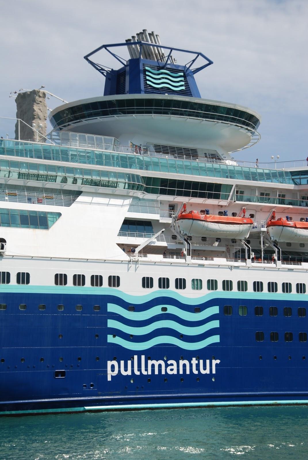 NAVIGATIONCruising And Maritime Themes Cruise Ship SOVEREIGN - Sovereign cruise ship
