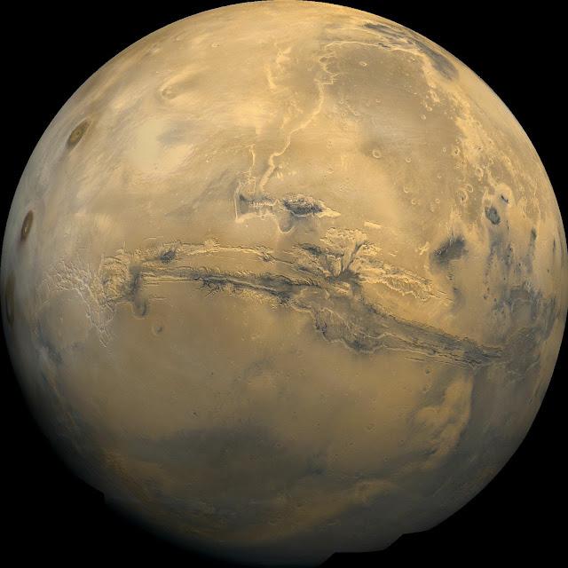 El Marineris abarca el ecuador marciano