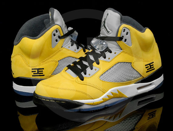 the best attitude 59532 0c44c This special collaboration consists of a suede yellow upper, the Jordan 5 s  signature 3M metallic tongue and clear accents such as the sole and  netting, ...