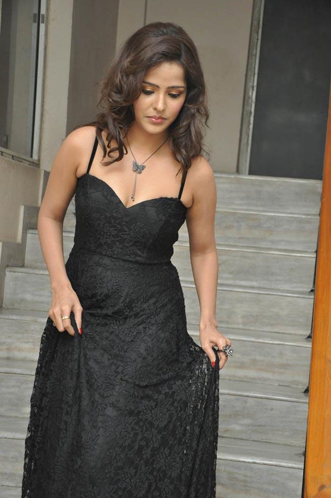 stylish and gorgeous Priyanka chabra latest hot photo stills