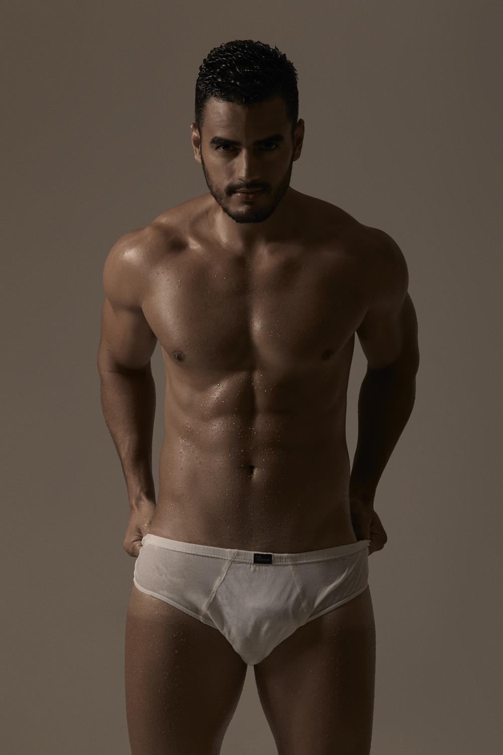 Allan Martins Shirtless by Pedro Fonseca