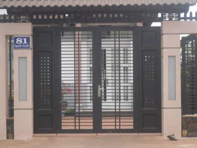 Mẫu cửa sắt nhà ống làm cửa cổng
