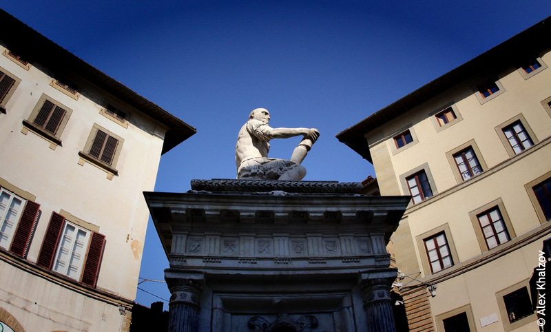памятник онанизму