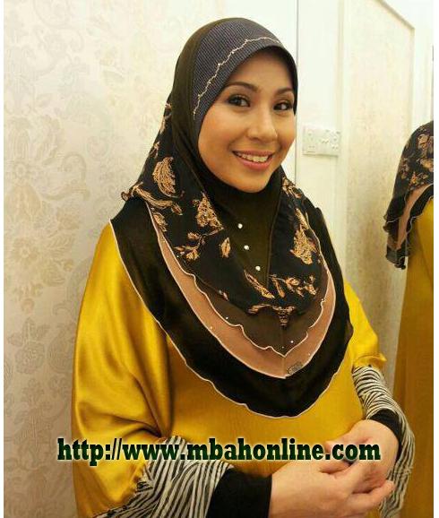 Indonesia ibu jilbab tudung depan webcam - 1 2