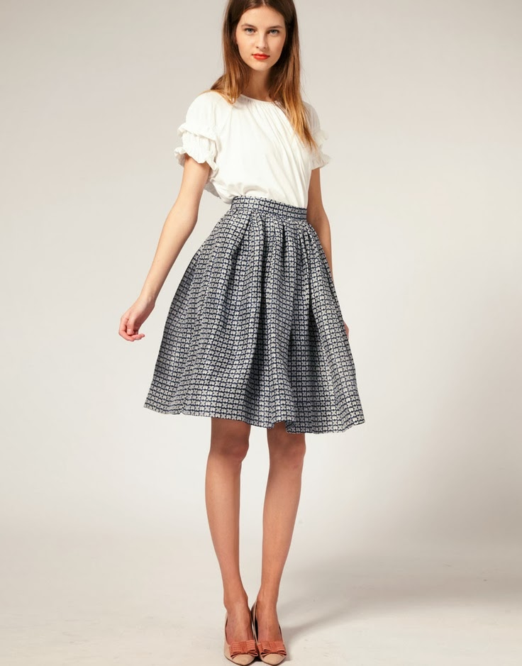 Named for their shape, which is cut like a big doughnut, circle skirts keep the fullness of the skirt at the hem rather than at the waist. The skirt, tight around your waist, flares out around your thighs, creating an hourglass shape on any body type.