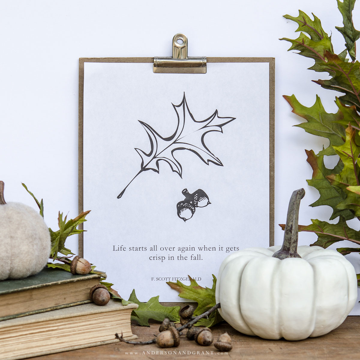 Free Printable with Oak Leaf and Acorns