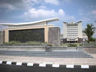 http://jobsinpt.blogspot.com/2012/03/kepastian-pengumuman-lowongan-cpns.html