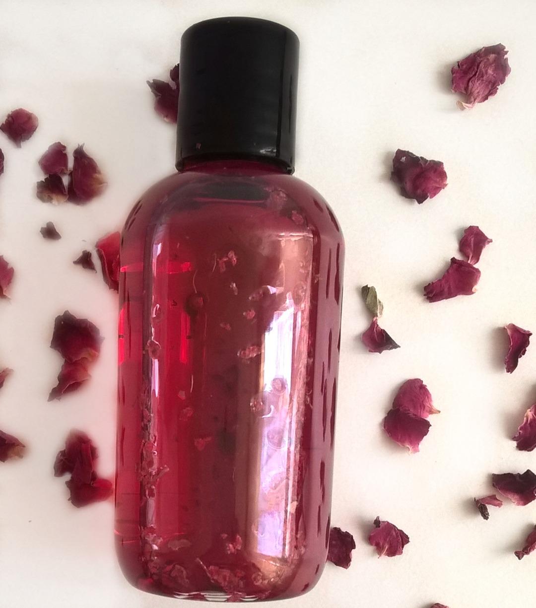 Ziołowa mgiełka DIY domowa dla rudowłosych włosów rudych wzmacniająca kolor