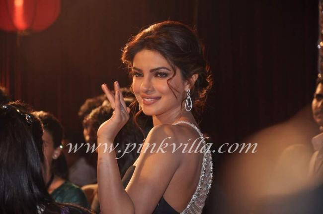 The Etiquette Cult Gravity Art Priyanka Chopra At The Big Star Young Entertaine R Awards