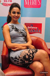 Rakul-Preet-Singh-Stills-at-Reliance-Trends-Label-Bazaar-Launch