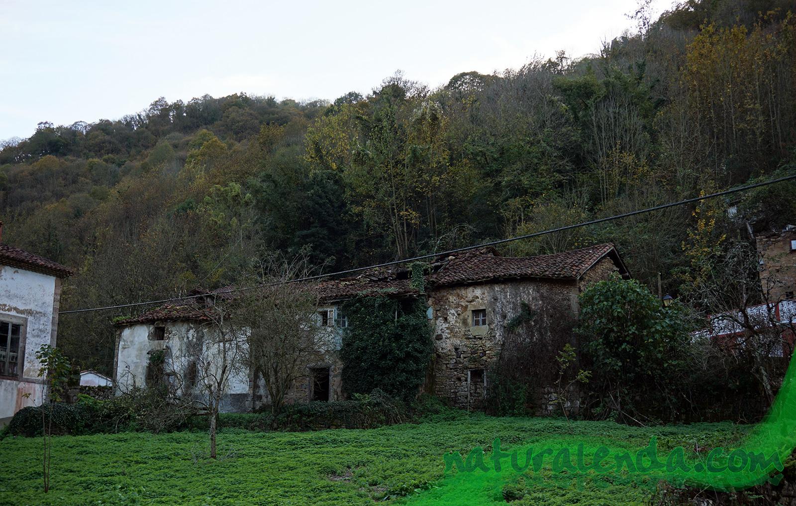 aldea abandonada en asturias