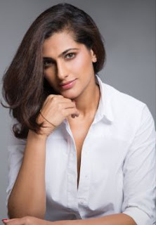 Kubra Sait Family Husband Son Daughter Father Mother Marriage Photos Biography Profile.