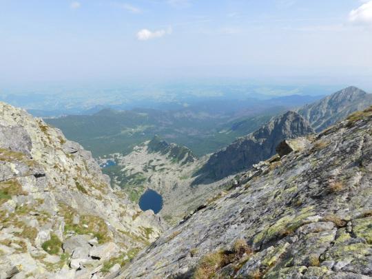Widok na Dolinę Gąsienicową ze Świnickiej Szczerbiny Wyżniej.