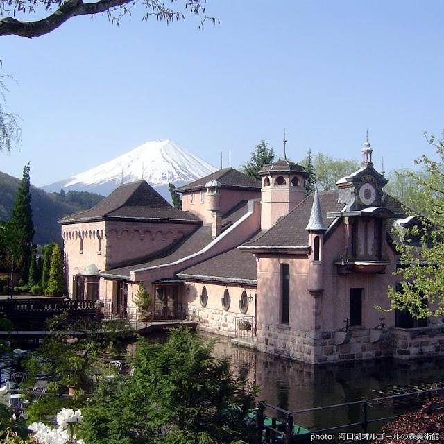 【河口湖音樂盒之森美術館】富士山前的歐風城堡 搭配著美妙的音符