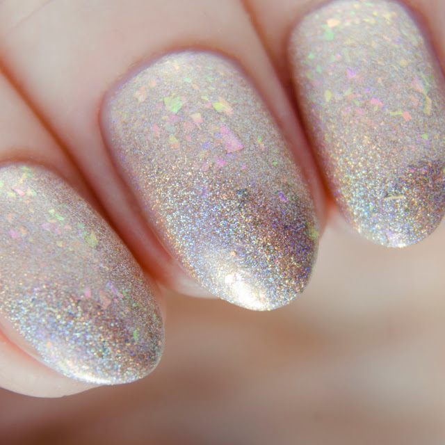 Emily de Molly Chase The Charmed swatch