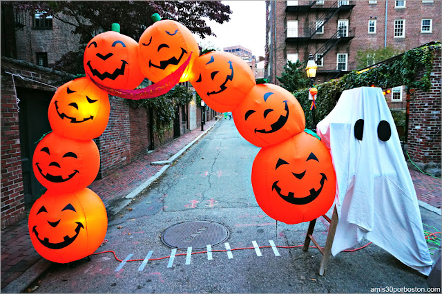 Decoraciones por Halloween en Beacon Hill, Boston