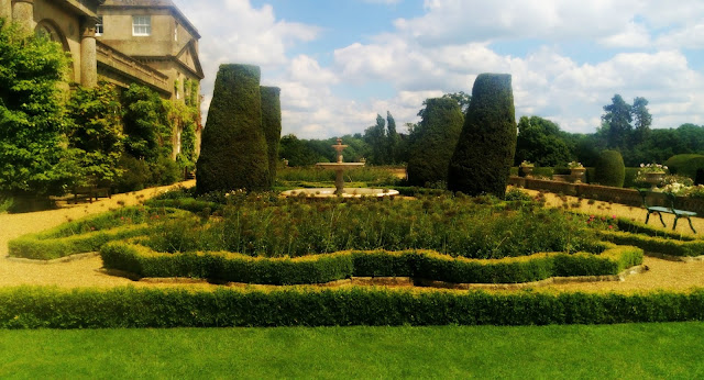 Bowood Terraced Garden