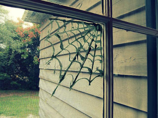 WobiSobi Hot Glue Spiderweb DIY