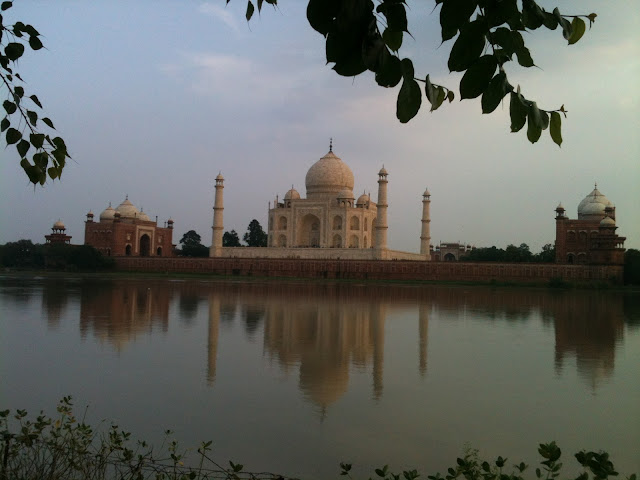 Agra Transfer Taxi Service