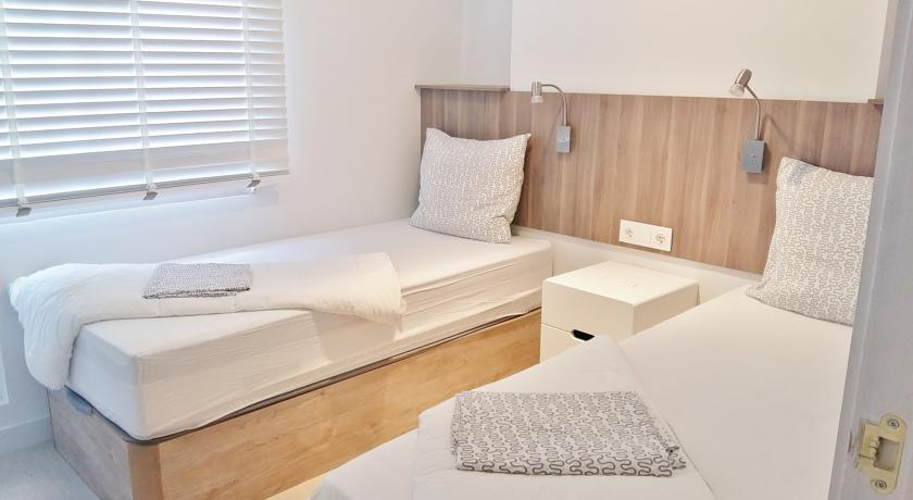 Romania Live: Altea Darsena Apartments live webcam Benidorm   840 x 460 jpeg 39kB