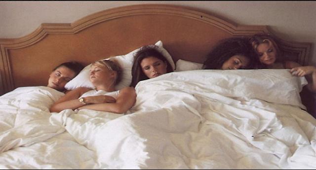 خطيير جداا...بلغوها لبناتكم !!لهذا السبب لا يجب ترك البنات تنام في نفس السرير