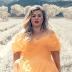 """""""Love So Soft"""", da Kelly Clarkson, é uma das melhores coisas que ela lançou em um bom tempo"""