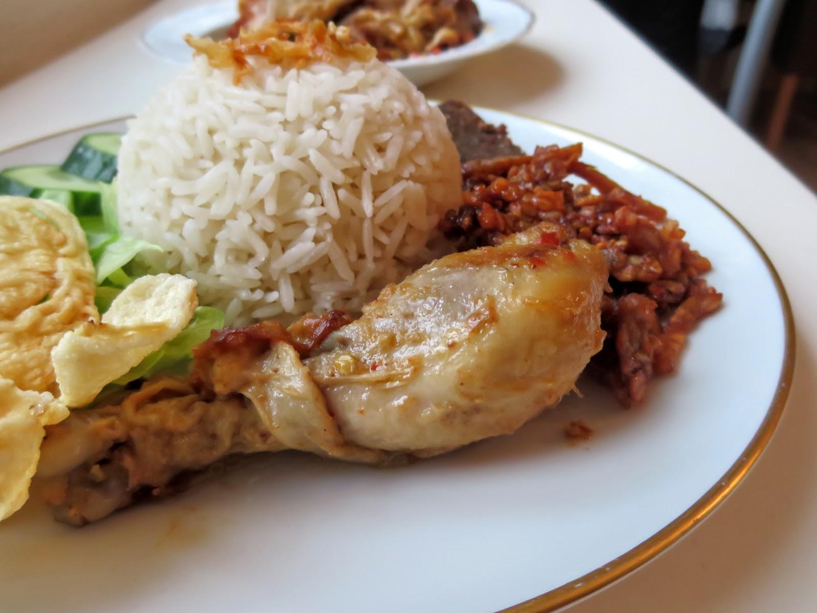 Ayam Bumbu Rujak, Beilage für Nasi Uduk