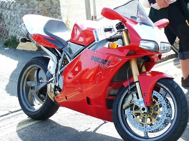 Ducati 748SP HD pics