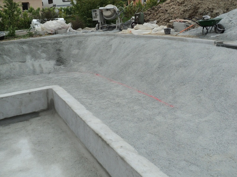 2 les tapes d 39 une construction d 39 une piscine naturelle fayence dans le var 83. Black Bedroom Furniture Sets. Home Design Ideas