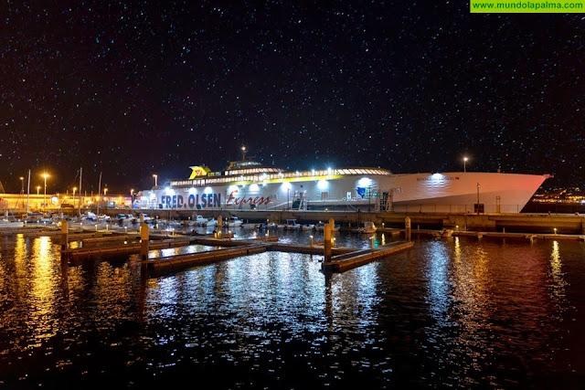 El Gobierno autoriza el reembolso de 7,7 millones de euros a las navieras Fred Olsen y Armas para abonar la subvención a los pasajeros con derecho al descuento de residente