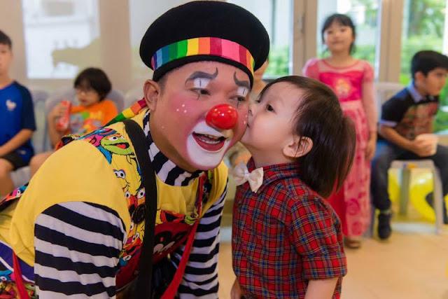friendly malaysia clown