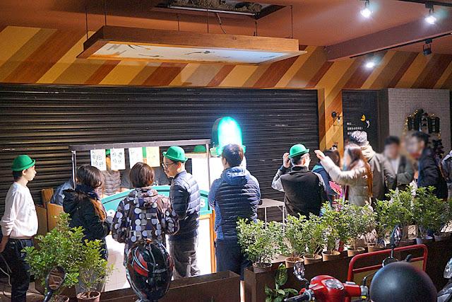 DSC09427 - 台中深夜食堂│深夜戴綠帽吃燒餅,綠帽燒餅試賣期間只到31號跨年夜,元旦就會先停售做修正(已歇業