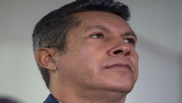 A menos de 24 horas de haberle declarado batalla electoral a Maduro, Henri Falcón dice que evalúa su participación