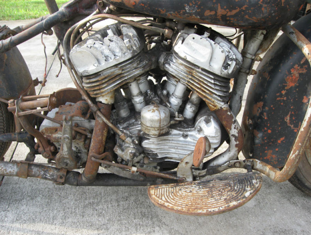 1942 Harley Davidson Flathead motor ready for to be torn down and ...