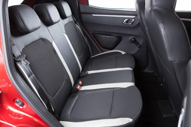 Renault Kwid 1.0 - interior