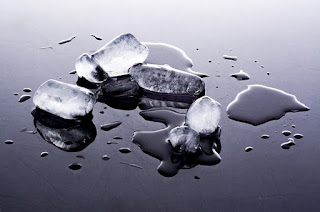 4 Manfaat Es Batu Yang Dapat Menunjang Penampilan