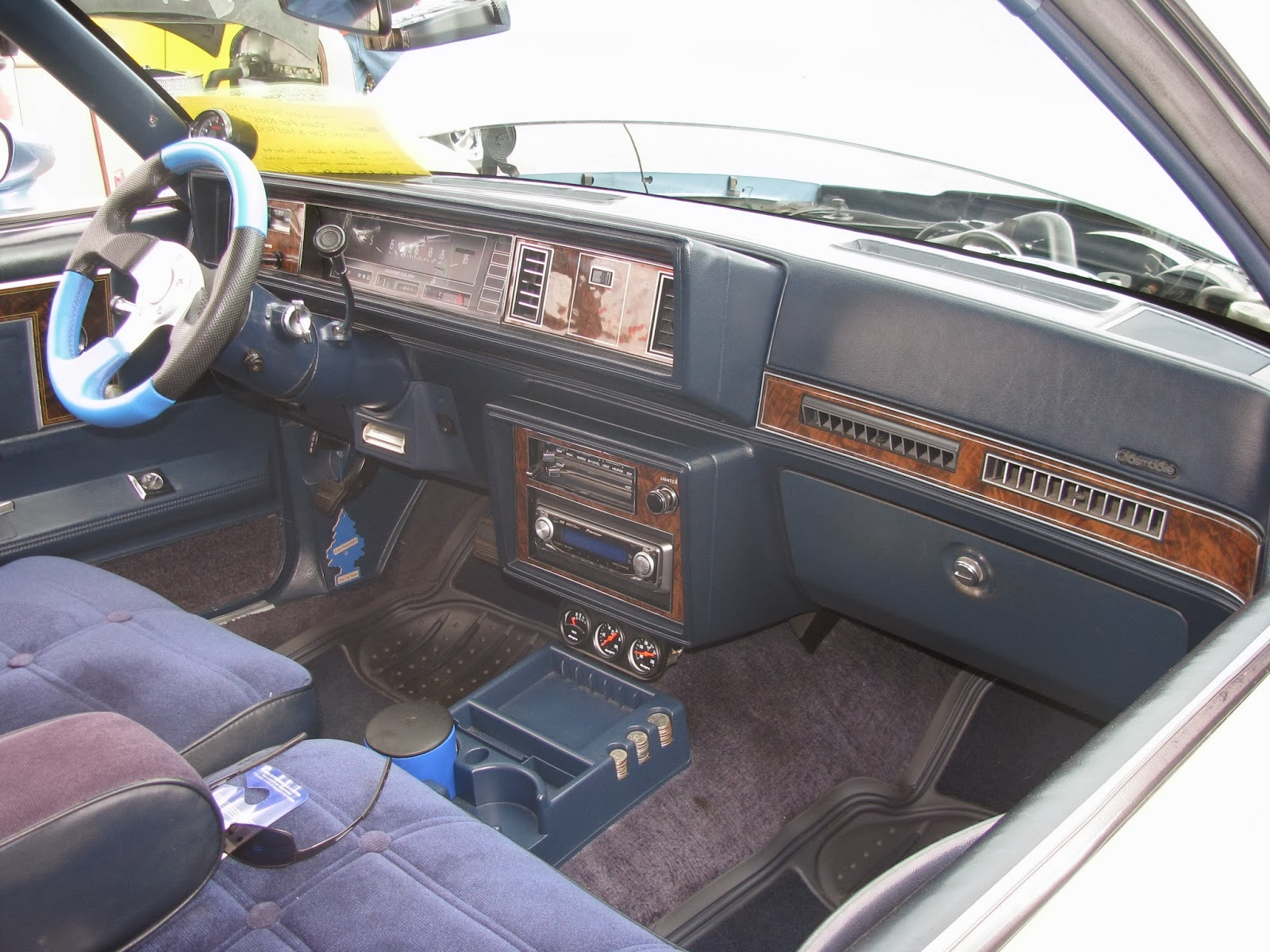 1980 Oldsmobile Cutlass Supreme Interior Design 3d Ford Bronco Dash Blue Blurry Lines The 4th Witness Betty Cash S Car Rh Blueblurrylines Com