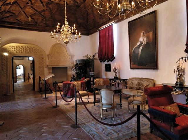 Castillo de Belmonte, salón de la emperatriz Eugenia de Montijo