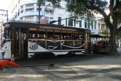 Bonde no centro histórico de Santos
