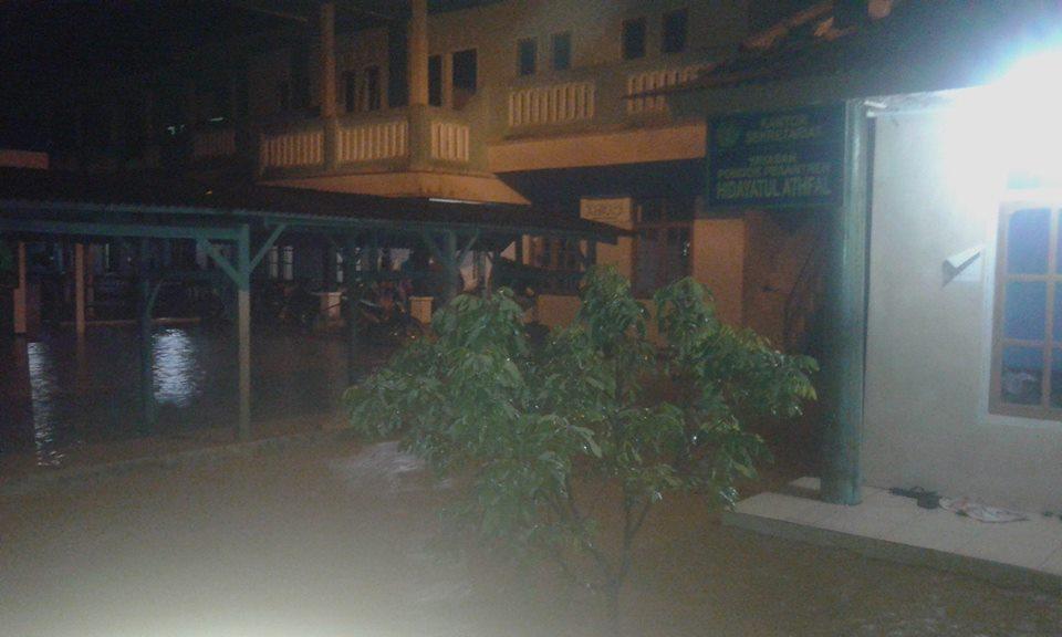 Hujan Tak Kunjung Reda, Sebagian Wilayah Pangandaran Terendam Banjir