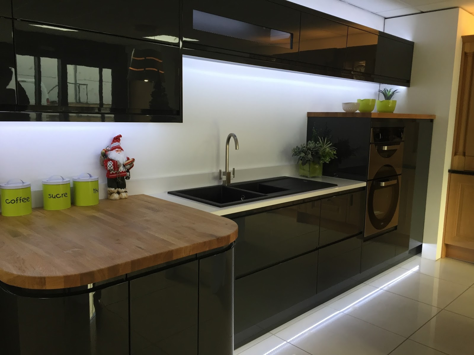 Kezzabeth uk home renovation interiors and diy blog gloss kitchen inspo solutioingenieria Image collections