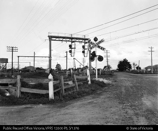 Australian Railroad Crossing Signals - Page 30 - Mike's Railroad