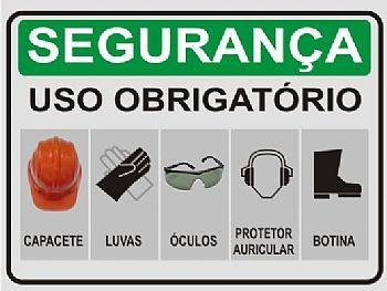 5c0f8f6437929 Muitos trabalhadores reclamam da exigência de se usar os equipamentos de  proteção individual